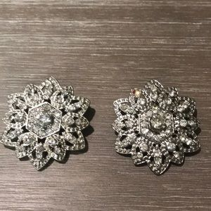 Jewelry - 🌹Host Pick🌹Set of 2 Crystal Brooches